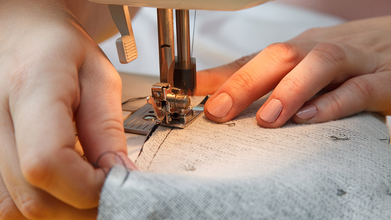 retouche service door stylisten, zodat elke outfit jouw past